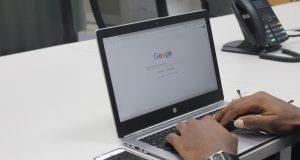 Google Search di laptop