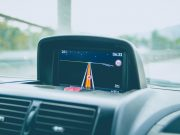 Navigasi di mobil Source: Alvaro Reyes